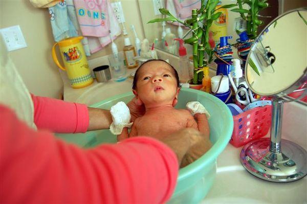 2007.11.27_shower04.JPG