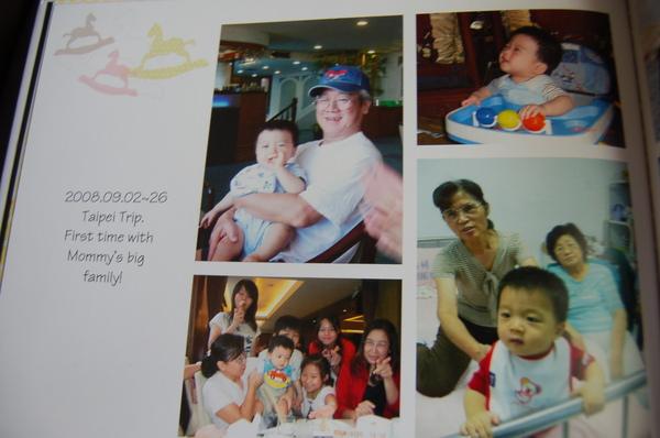 2008_1y_storybook_18.JPG