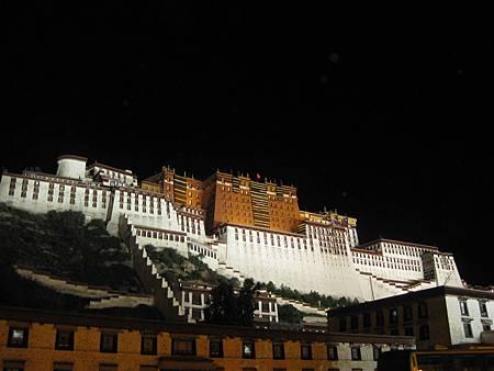 布達拉宮夜景47.JPG