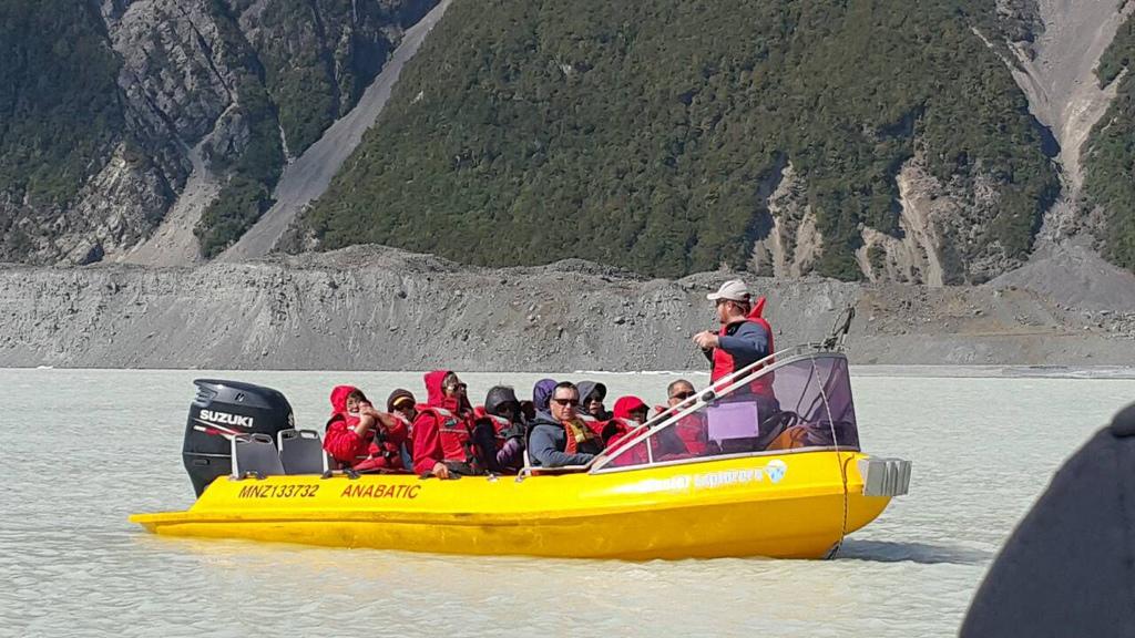 華清仁-塔斯曼冰河船20