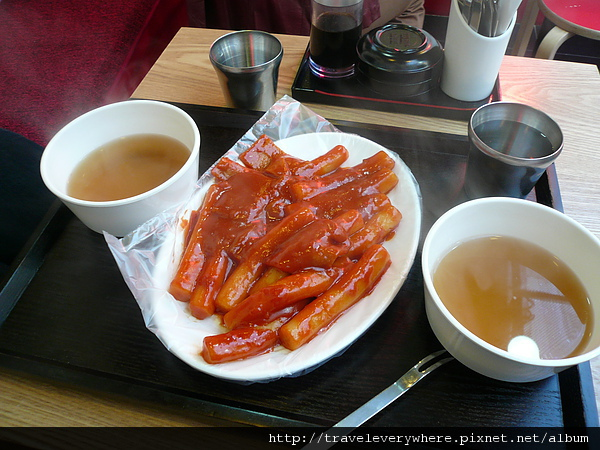 弘大附近可以坐下來吃的小店
