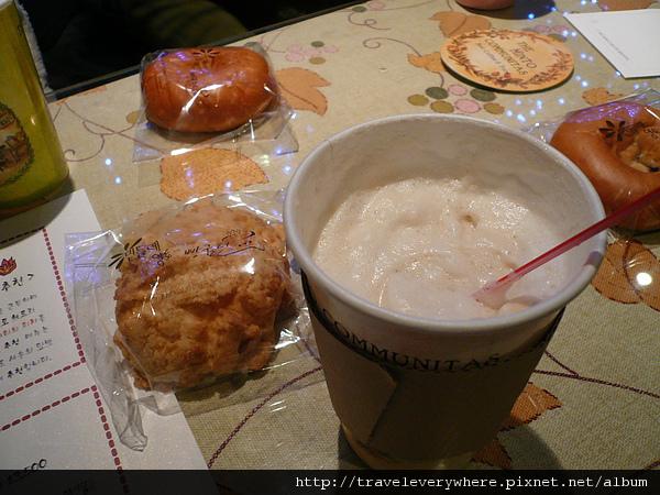 咖啡+麵包