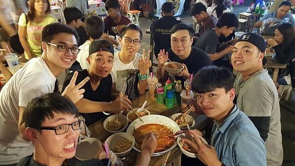 [活跳跳海鮮]泰國蝦.螃蟹BAR.B.Q.吃到飽 +飲料.生啤酒無限暢飲