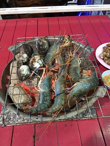 [活跳跳海鮮]泰國蝦BAR.B.Q.吃到飽