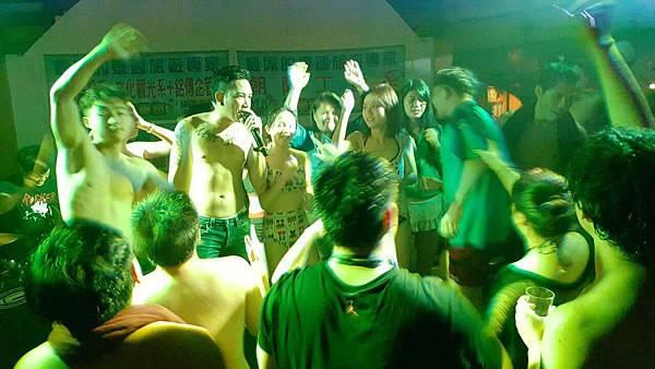 獨家百人WHITE PARTY泳池趴+現場LIVE BAND