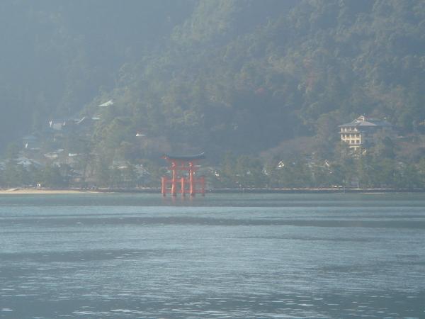 清晨中的水上神社-巖島神社