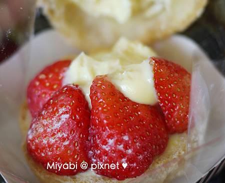 草莓泡芙8
