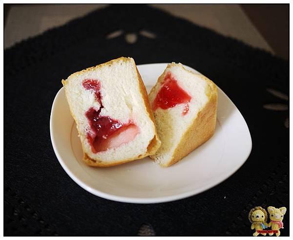 草莓方塊斷面秀1.jpg