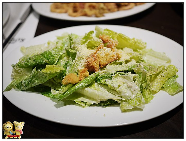FAT ANGELO'S-凱薩沙拉.jpg