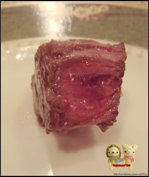 大巨人牛肉第一吃特寫.jpg