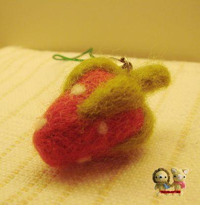 第一顆草莓-2.jpg