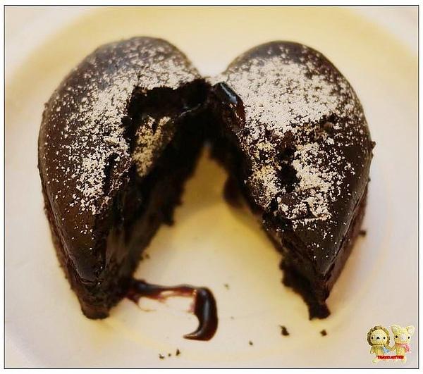 肯德基熔岩巧克力-斷面.jpg