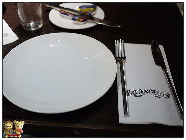 FAT ANGELO'S-餐具.jpg