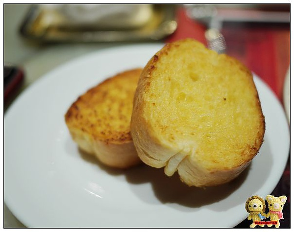 大巨人-香蒜麵包.jpg