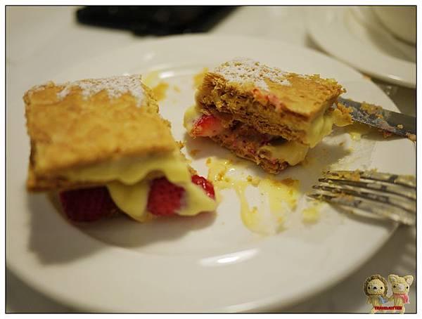 法米-法式千層-草莓-2.jpg
