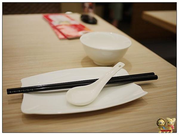 九龍塘茶餐廳餐具.jpg