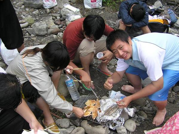 2004/05/30內灣烤肉趣