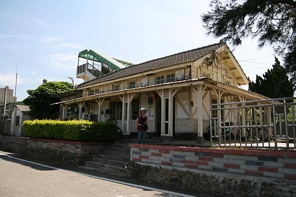 新埔車站 (Sinpu Station)
