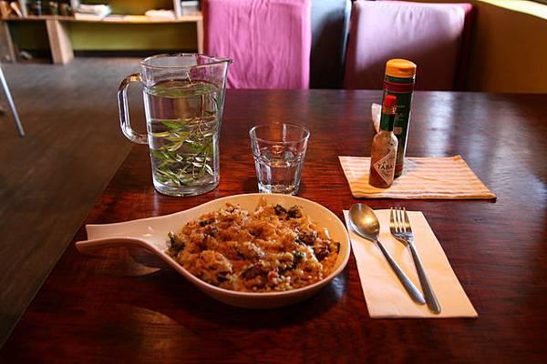 蘑菇牛肉焗飯