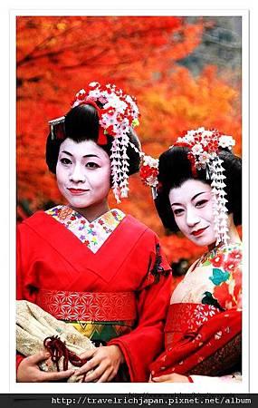 清水寺前的藝妓.jpg