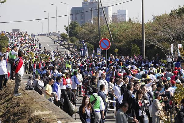 開辦第一年的東京灣海岸馬拉松大會,吸引來自全國各地的參加者。