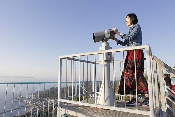 由鋸山山頂可一覽遼闊的東京灣景。
