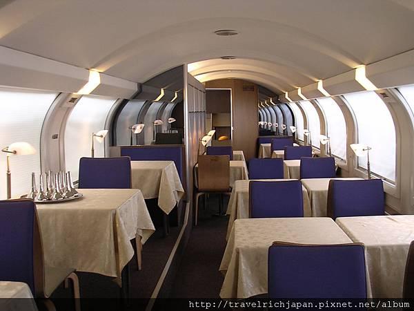 CD0035-0015 JR仙后號餐廳.JPG