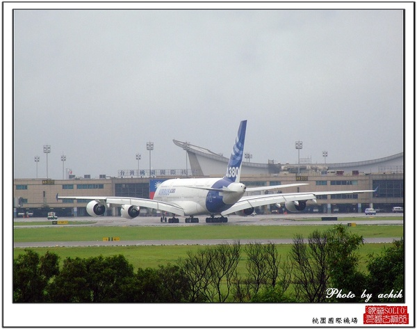 AIRBUS A380-841 F-WWJB37.jpg