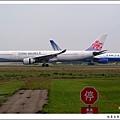 中華航空B-18302客機01.jpg
