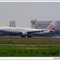 中華航空B-18302客機.jpg