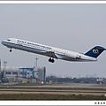 華信航空B-12293客機02.jpg