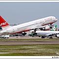 遠東航空B-27015客機01.jpg