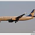 華信航空B-16803客機01.jpg