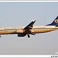 華信航空B-16803客機02.jpg