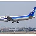 全日空JA8358客機04.jpg