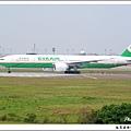 長榮航空B-16705客機03.jpg
