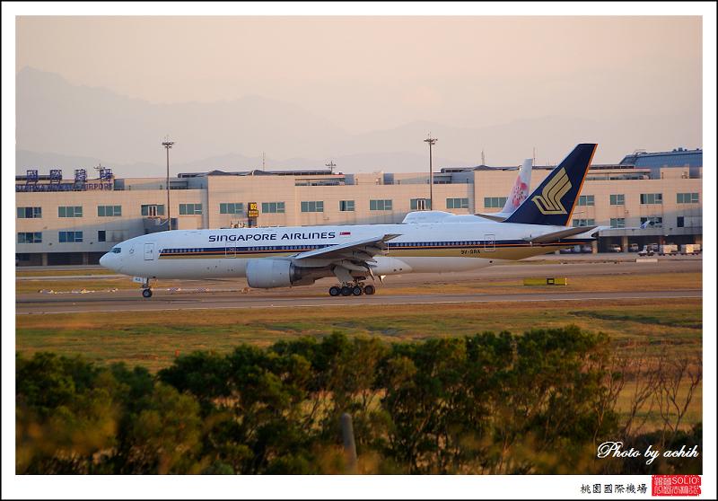 新加坡航空9V-SRA客機.jpg