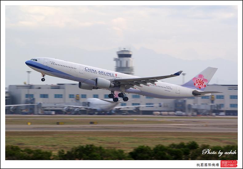 中華航空B-18306客機003.jpg