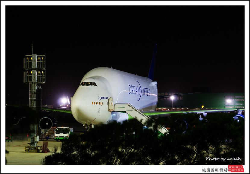 Boeing 747-4H6(LCF)N718BA貨機.jpg