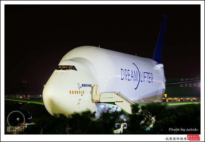 Boeing 747-4H6(LCF)N718BA貨機002.jpg