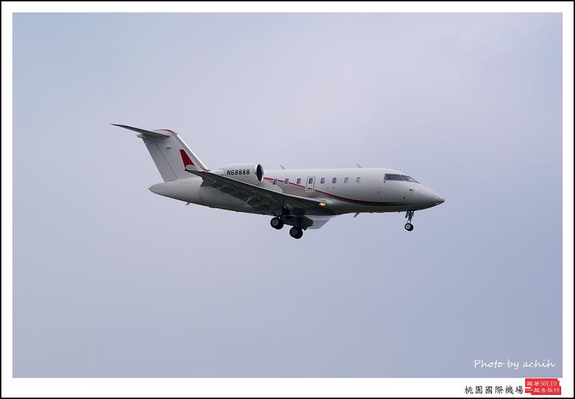 Untitled Canadair CL-600-2B16 Challenger 605 N6888飛機.jpg