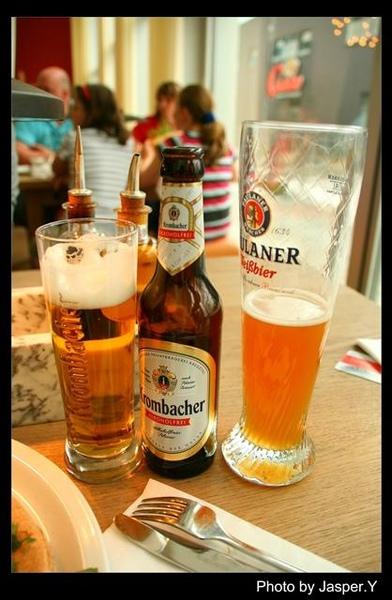 德勒斯登啤酒