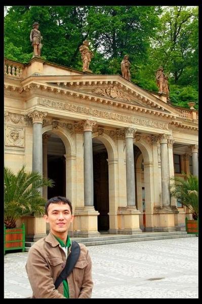 磨坊溫泉迴廊神殿