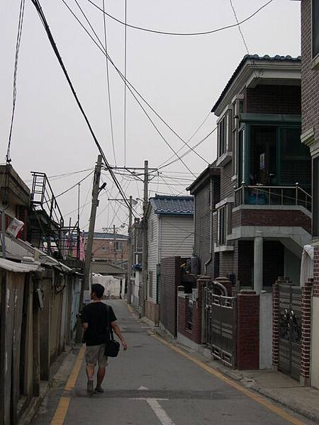 華城小巷中遊走