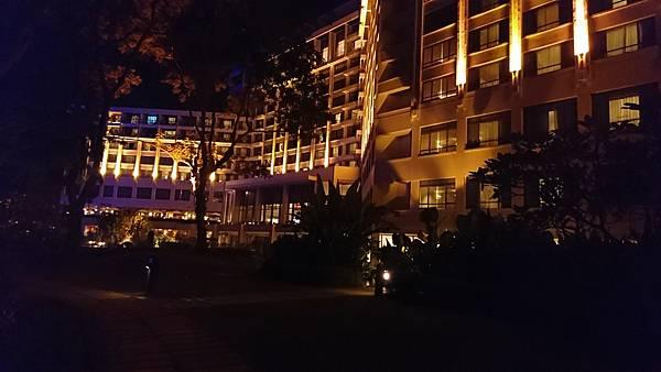 沙巴旅遊,太平洋絲綢海邊度假村 The Pacific Sutera Hotel 大海藍天看夕陽的度假時光。