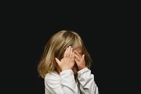 部落文章-讓孩子覺得丟臉的處罰StockSnap