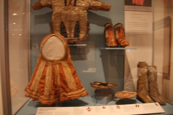 朋友J說, 這尊博物館的展示, 很像南方四賤客的阿尼