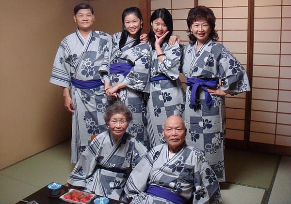 2008.2.4加賀屋服裝秀-001.JPG