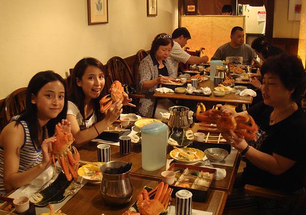 2008.08.04螃蟹大餐(6).JPG