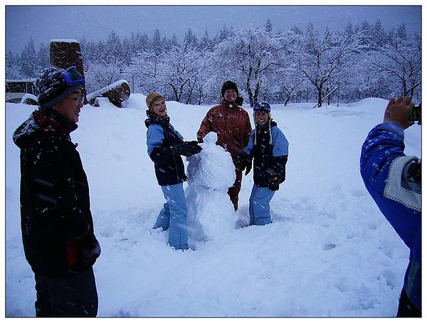 snow play.jpg